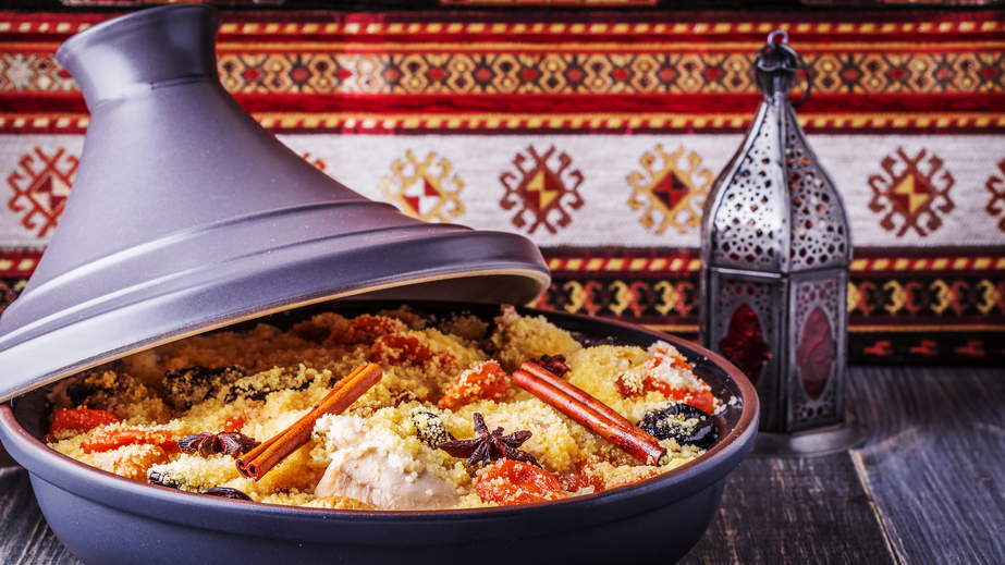 Traditional moroccan tajine of chicken with dried fruits & spices / Is Morocco Safe Blog
